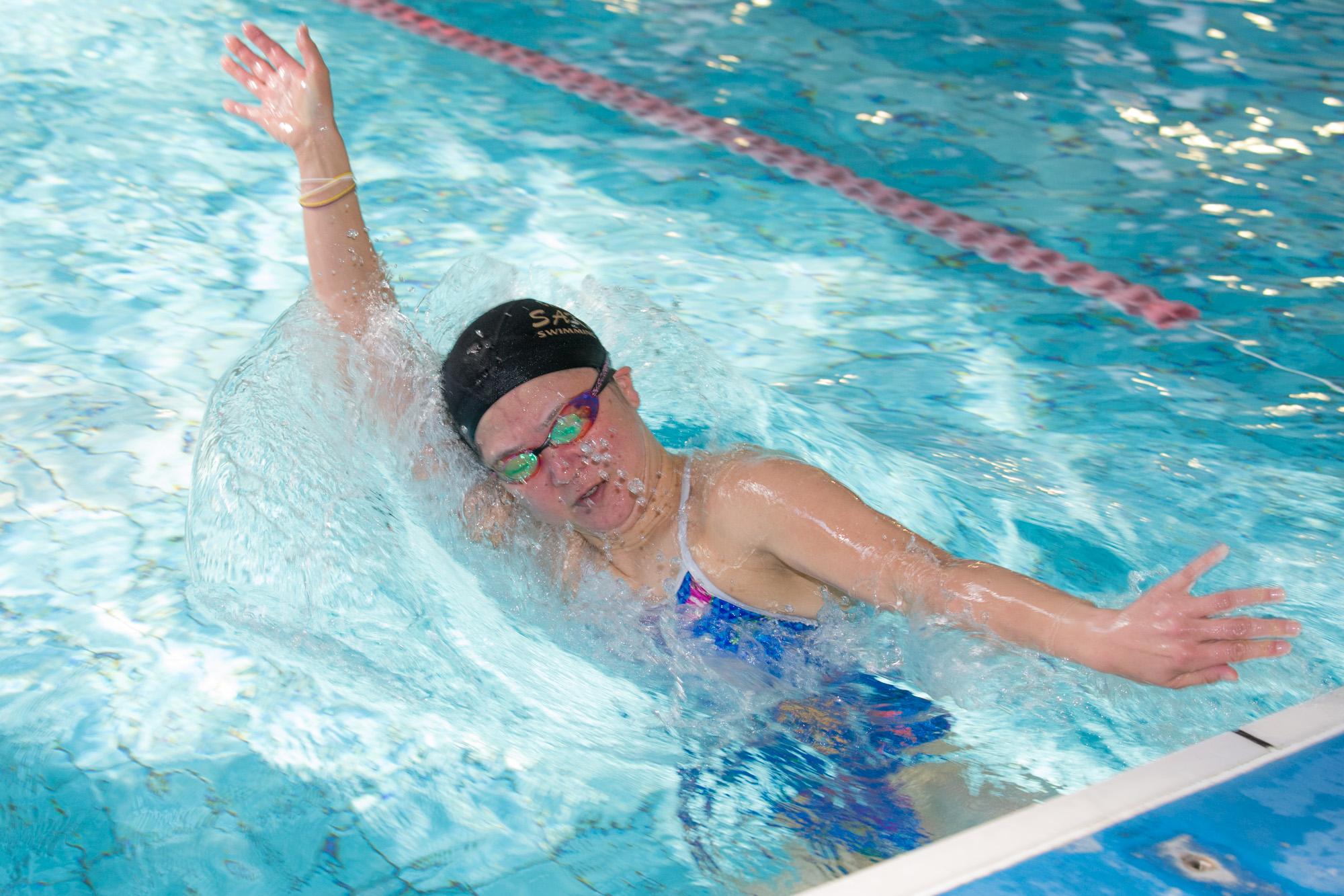 成田はひとたびプールに入ると強烈なスイッチが入る(撮影:越智貴雄)