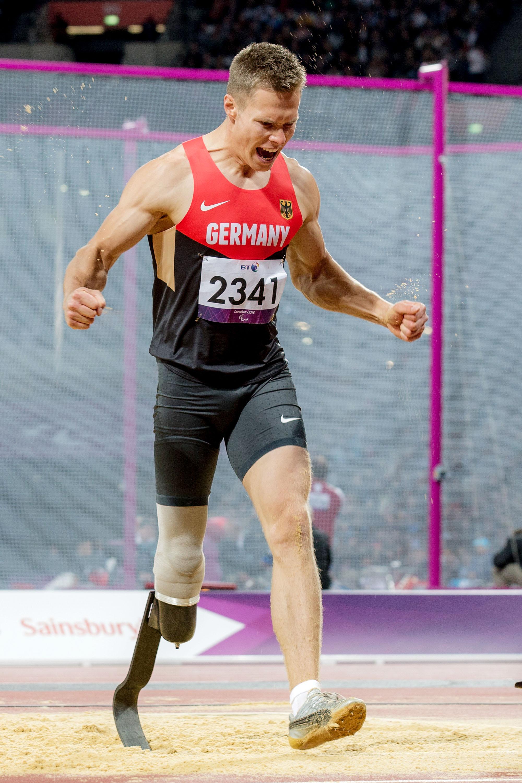 ロンドンパラリンピックで世界記録を塗り替えガッツポーズするレーム(撮影:越智貴雄)