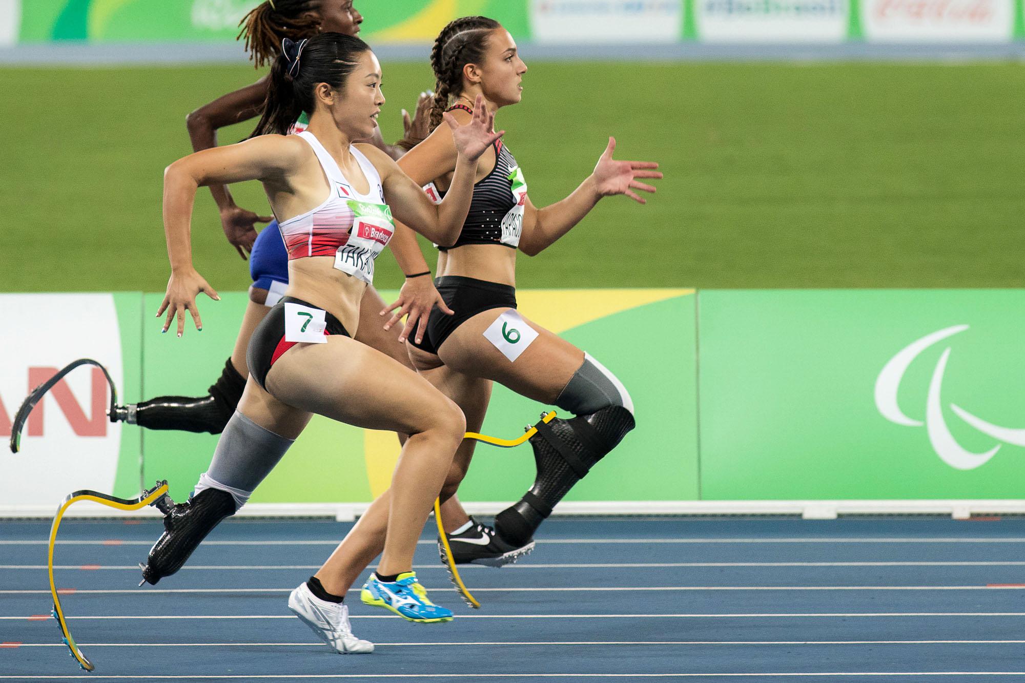 高桑早生200m予選の走り=リオパラリンピック(撮影:越智貴雄)