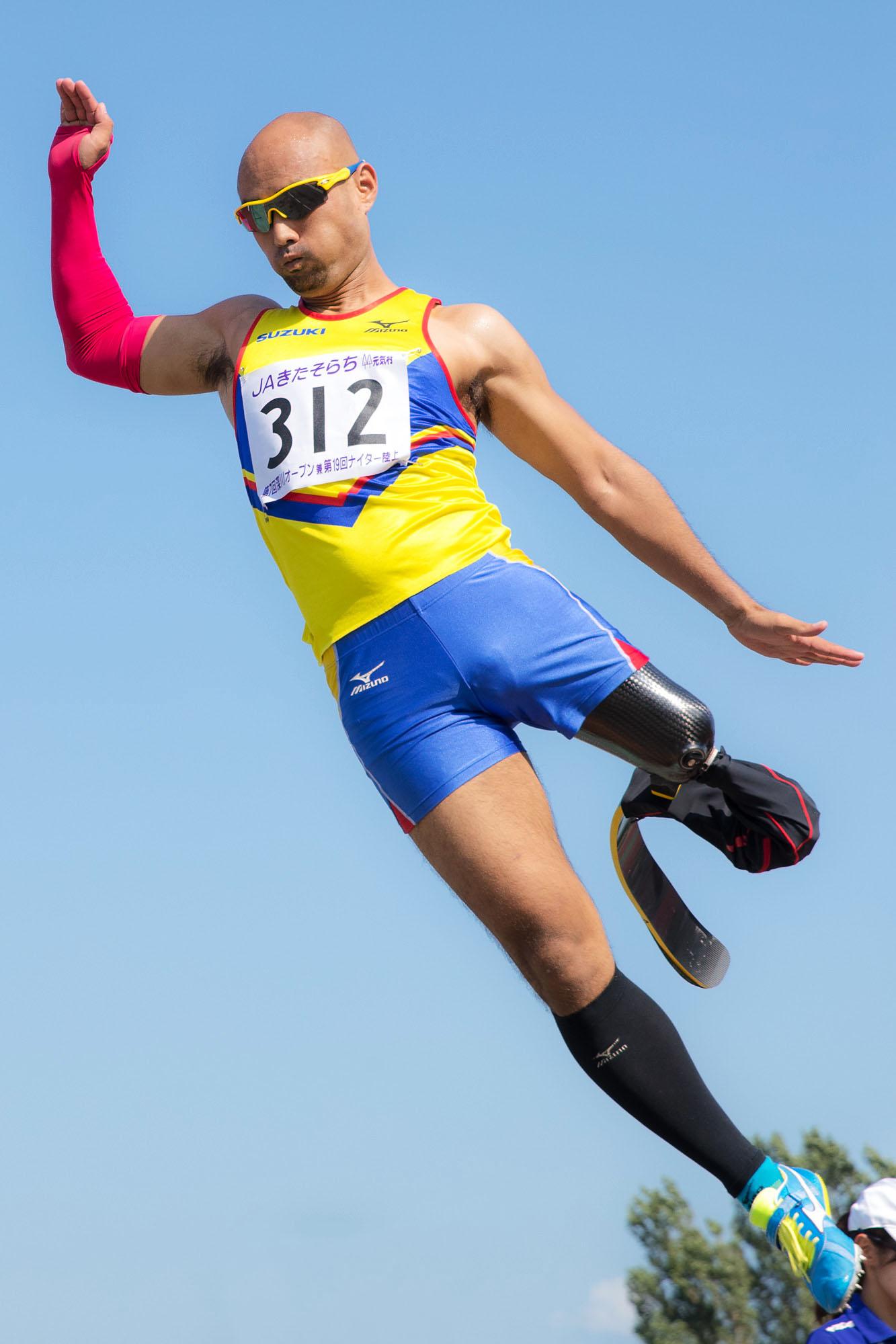 8月のリオパラリンピック代表合宿中に参加した地元の大会で、非公認ながら自身の持つ日本記録を3cm更新する6m65cmの跳躍で調子の良さをアピールした(撮影:越智貴雄)